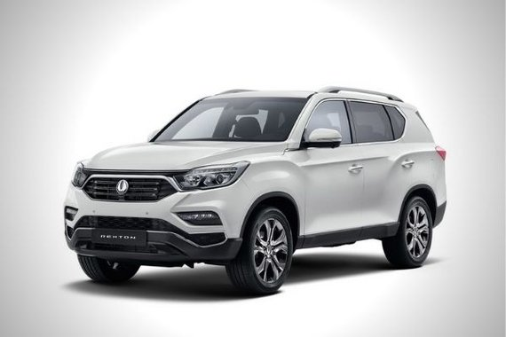 SsangYong Rexton front quarter philippines