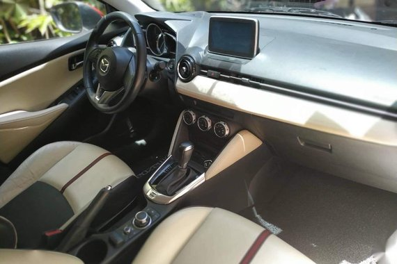 Pearl White Mazda 2 2015 for sale in Quezon City