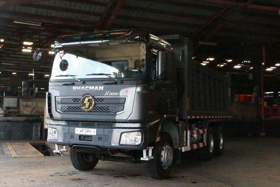 Selling Brand New Shacman X3000 6x4 Dump Truck Construction