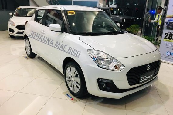 Sell Pearlwhite 2020 Suzuki Swift in Quezon City