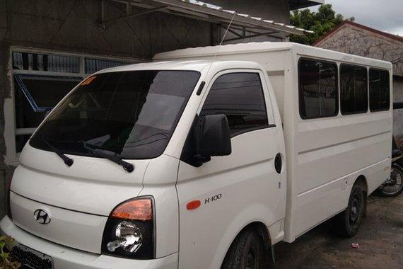 Hyundai H100 2.5CRDi Shuttle Body with Dual Aircon M/T