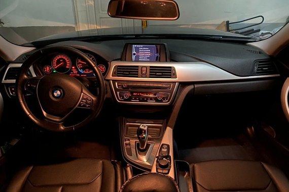 Sell Grey 2013 BMW 3 Series in Estancia
