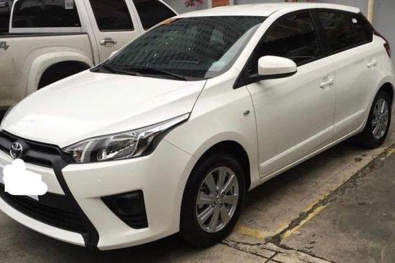 Pearl White Toyota Yaris 2017 for sale in Las Piñas
