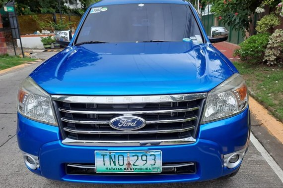 Sell Blue 2011 Ford New Everest in Las Piñas City