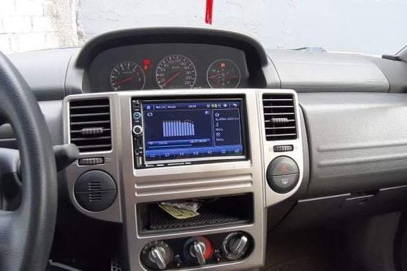Sell White 2011 Nissan X-Trail in Manila