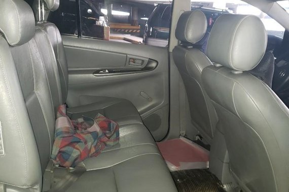 Silver Toyota Innova 2006 for sale in Malabon City