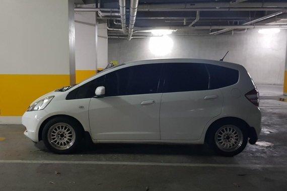 White Honda Jazz 2010 for sale in Mandaluyong