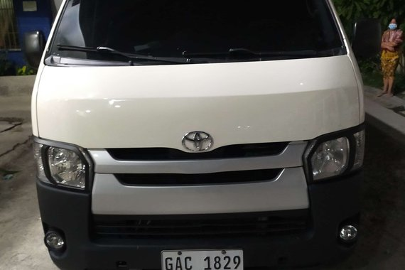 2017 Toyota Hiace Commuter 3.0