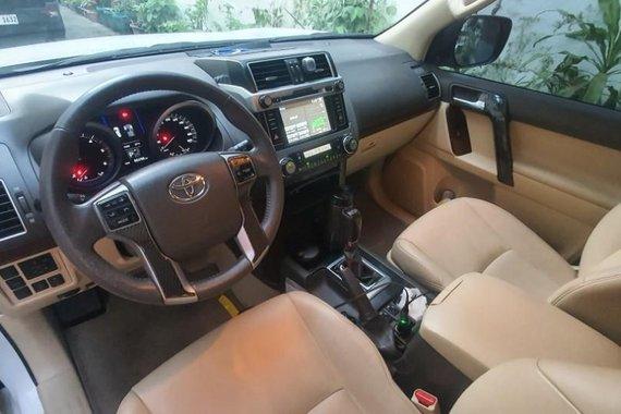 Selling Pearlwhite Toyota Land Cruiser Prado 2015 in Angeles