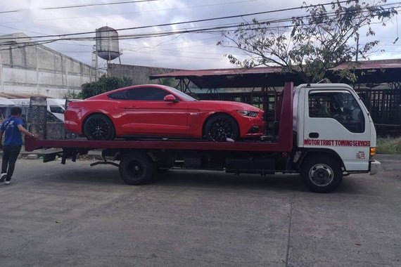 Selling Red Ford Mustang 2017 in Manila