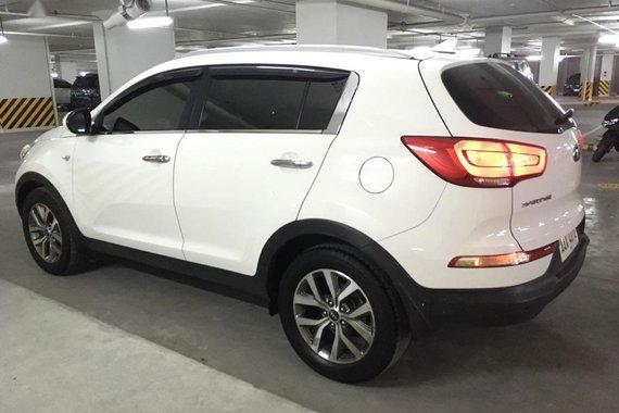 White Kia Sportage 2015 for sale in Quezon