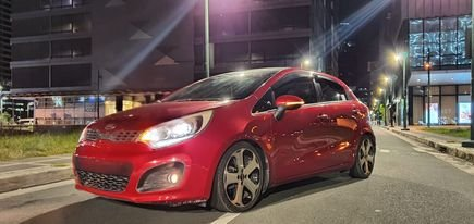 2015 Kia Rio Hatchback Top of the Line