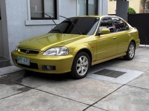 Selling Yellow Honda Civic 2000 in Davao