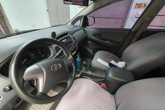 Toyota Innova Auto 2014