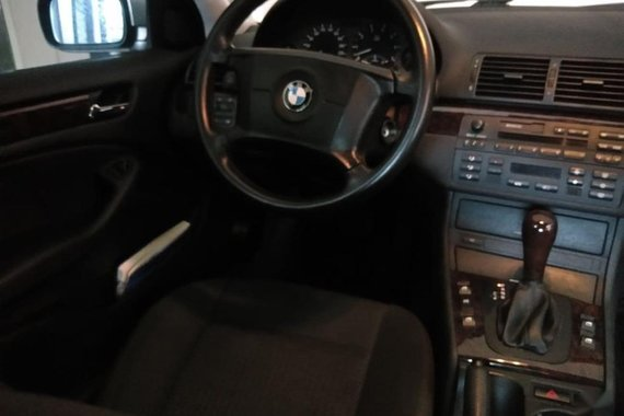Brightsilver BMW 318I 2009 for sale in Paranaque
