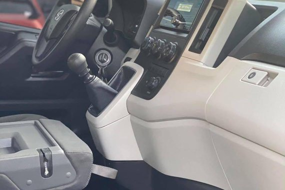 White Toyota Hiace 2019 for sale in Taytay