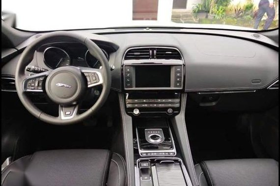 White Jaguar F-Pace 2020 for sale in Taguig
