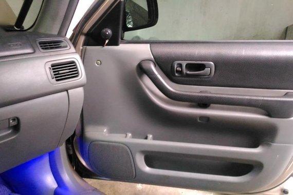 Silver Honda CR-V 1998 for sale in Quezon