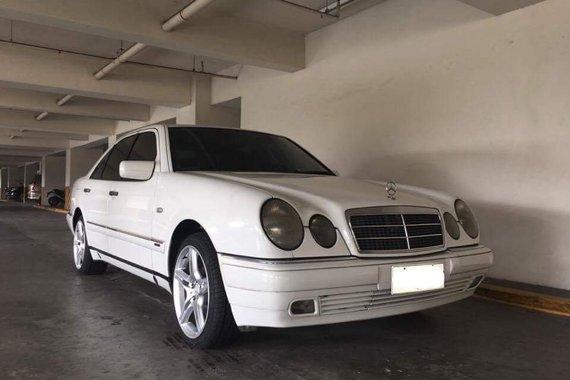 2000 Mercedes Benz E240