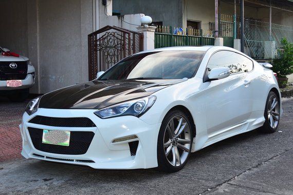 Hyundai Genesis Coupe 3.8L m/t ( top of the line )