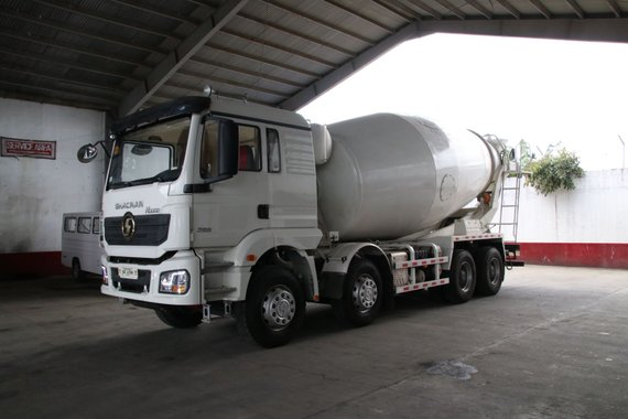 SELLING BRAND NEW SHACMAN H3000 8X4 MIXER TRUCK 12 WHEEL