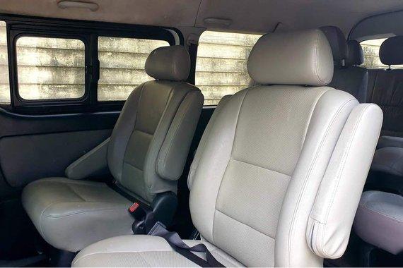 Pearlwhite Toyota Hiace Super Grandia 2015 for sale in Marikina