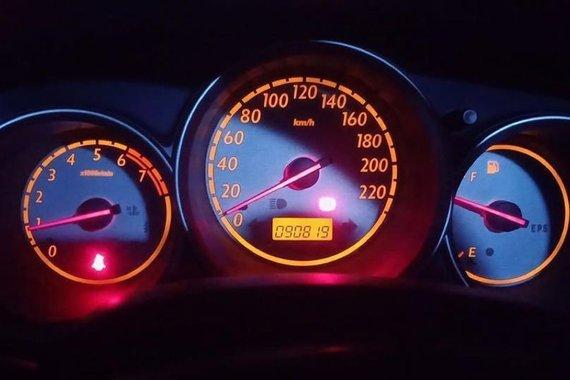 Selling Brightsilver Honda Jazz 2005 in Manila