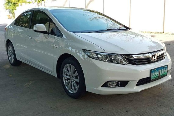 White Honda Civic 2012