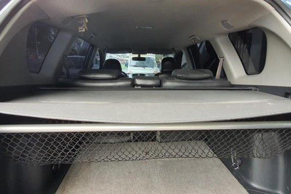 Selling Toyota Rav4 2010