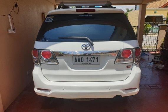 White 2015 Toyota Fortuner  2.4 G Diesel 4x2 MT  for sale