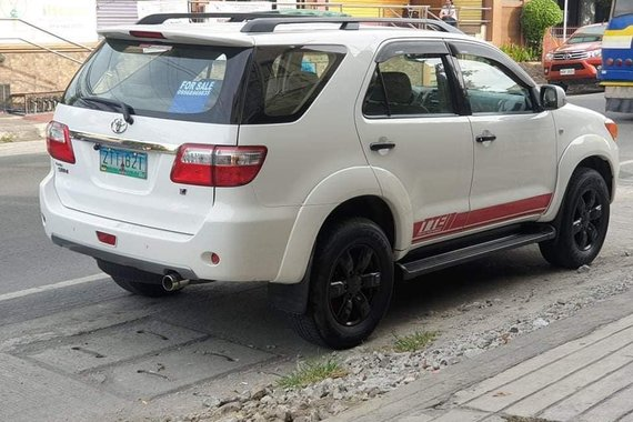TOYOTA FORTUNER 2009 G  A/T GAS