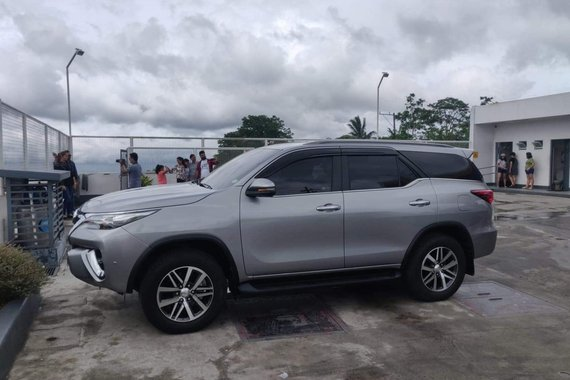 Selling used 2019 Toyota Fortuner AT in Brightsilver