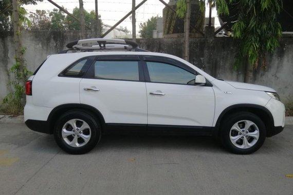 Sell Pearl White 2013 Kia Sorento in Laguna