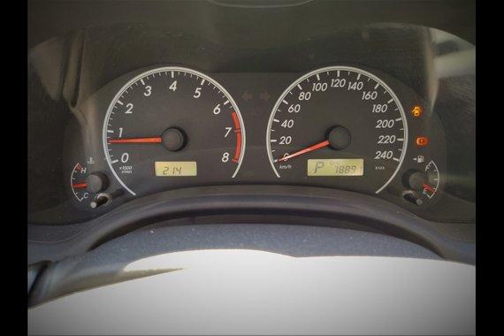 Selling Brightsilver Toyota Corolla Altis 2011 in Paranaque