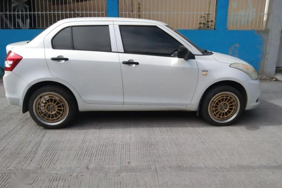 Selling White Suzuki Swift 2016 in Meycauayan