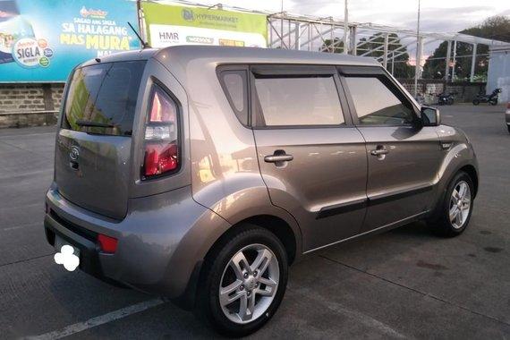 Grey Kia Soul 2011 for sale in Manila