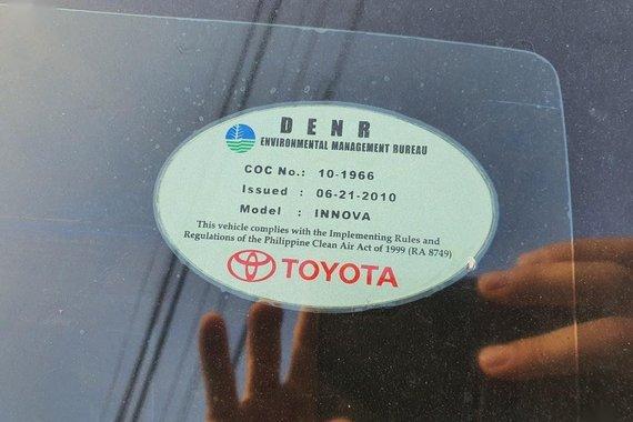 White Toyota Innova 2013 for sale in Angeles