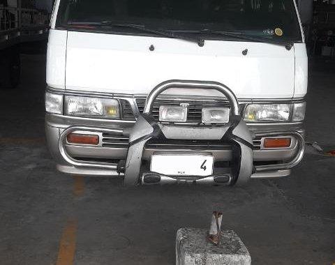 Selling 2001 Nissan Urvan Escapade