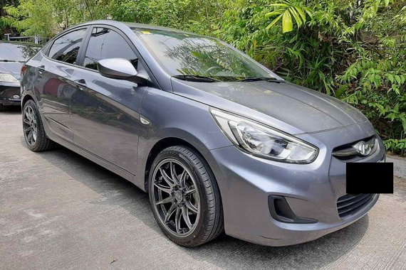 Selling pre-owned 2017 Hyundai Accent  1.4 GL 6MT in Grey