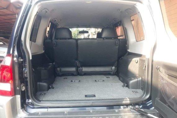 Selling Mitsubishi Pajero 2014