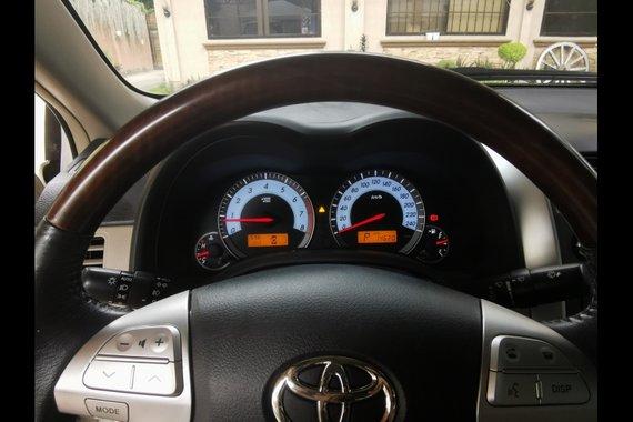 Selling Toyota Corolla Altis 2012 Sedan