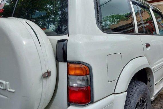 White Nissan Patrol 2003