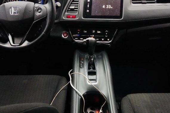 Selling Honda Hr-V 2015