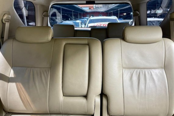 Selling Toyota Fortuner 2010