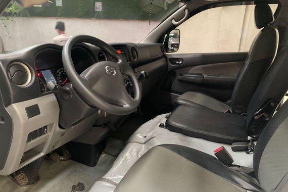 White Nissan Nv350 Urvan 2019\