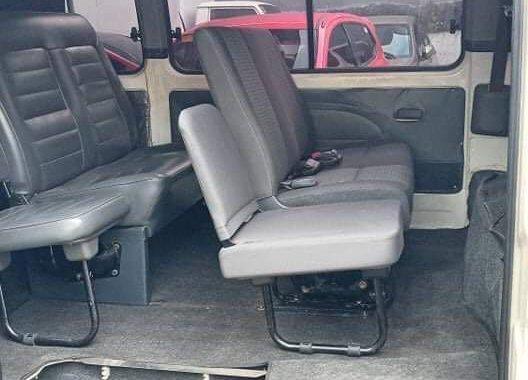 Selling Nissan Urvan 2013
