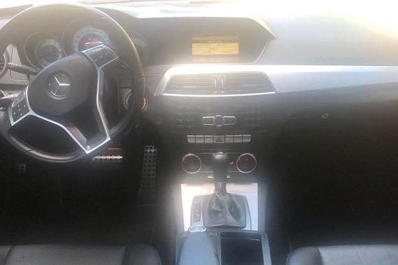 Mercedes-Benz C200 2012