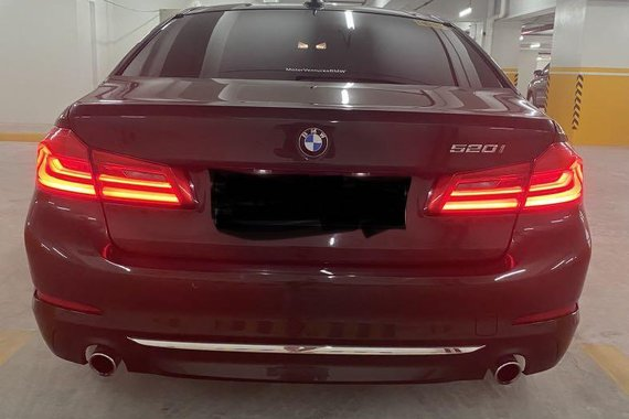 Selling BMW 520I 2020