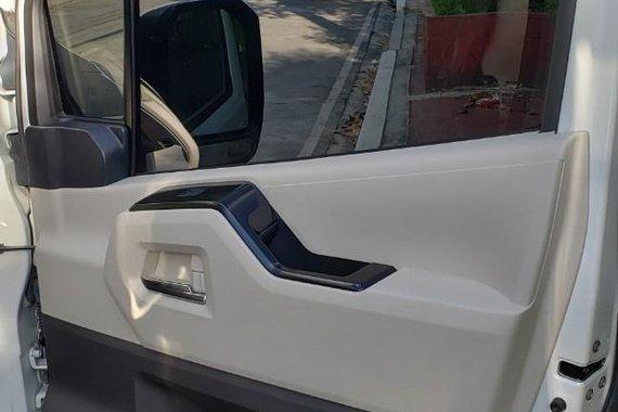 Selling White Toyota Hiace 2020