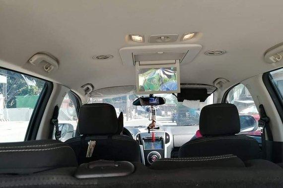 Sell Pearl White 2018 Isuzu Mu-X